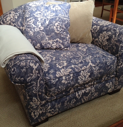 Blue Amp White Floral Print Club Chair